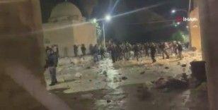 İsrail güçlerinden Mescid-i Aksa'da ses bombalı ve plastik mermili saldırı: 10 yaralı