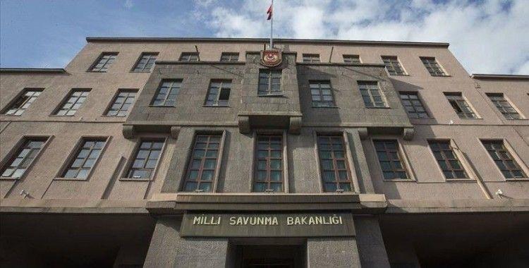 MSB: '6 PKK'lı teröristin etkisiz hâle getirildiği mağarada çok sayıda silah ve mühimmat ele geçirildi'