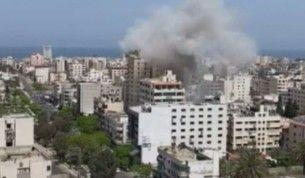 İsrail savaş uçakları Gazze'de bir binayı vurdu