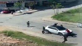 Başakşehir'de güpegündüz silahlı kavga kamerada