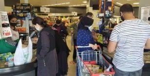 Bayram öncesi marketlerde alışveriş yoğunluğu