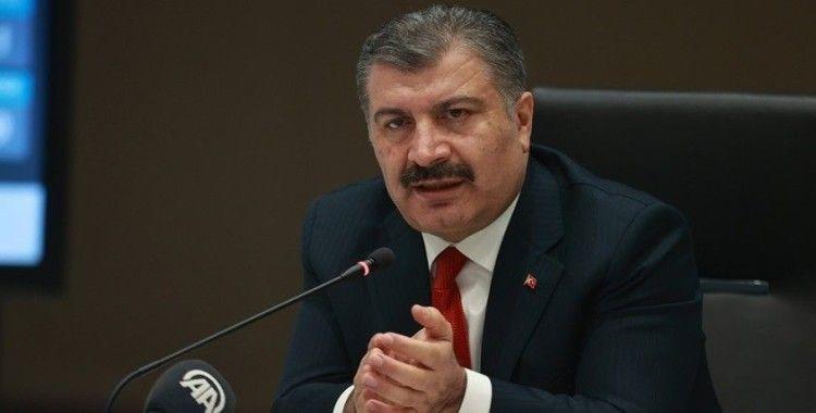 """Sağlık Bakanı Koca: """"Yarından itibaren sağlık çalışanlarımızın eşlerini aşılamaya başlıyoruz"""""""