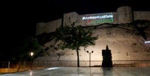 Tarihi Gaziantep Kalesi'ne lazerler Filistin bayrağı yansıtıldı