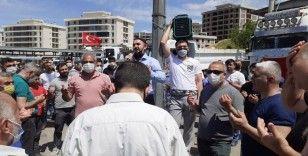 İzmir'de onlarca araçla Filistin'e destek konvoyu