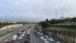 17 günlük tam kapanma sonrası İstanbul'da trafik yoğunluğu