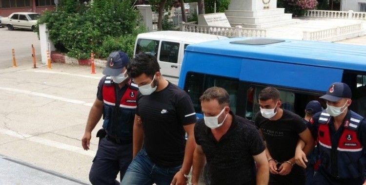 Kozan'da 5 cinayet şüphelisi serbest bırakıldı