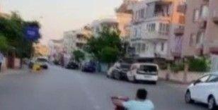 Go-kart aracına bisiklet gidonu ve tekeri takıp trafiğe çıktı
