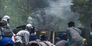 Myanmar'da ordunun darbe karşıtlarına silahlı müdahalesi sonucu ölenlerin sayısı 840'a çıktı