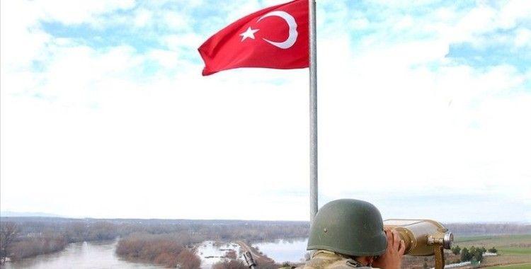 Yasa dışı yollarla Yunanistan'a geçmeye çalışan 2'si PKK mensubu 5 kişi yakalandı