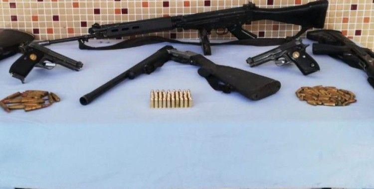 Şanlıurfa'da silah kaçakçılarına operasyon: 3 gözaltı