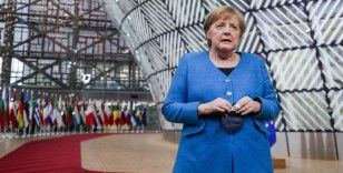 Merkel, Almanya'nın doğusu ile batısı arasındaki hayat koşullarını ele aldı
