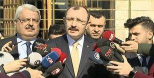 Bakan Muş'tan İzmir'de rehin alınan gümrük personeline geçmiş olsun telefonu