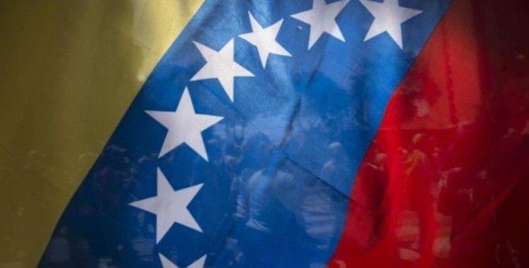 Venezuela, Kolombiya'nın sınırları tek taraflı açma kararına tepki gösterdi