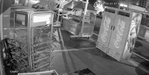 Kebapçıya kalaşnikoflu saldırı güvenlik kamerasında