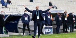 Bursaspor, Teknik Direktör Mustafa Er'le 3 yıllık sözleşme imzaladı