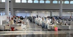 Hindistan'da Kovid-19 salgınında son 24 saatte 2 bin 123 kişi öldü