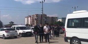 Çanakkale'de 98 düzensiz göçmen ile 10 göçmen kaçakçısı yakalandı