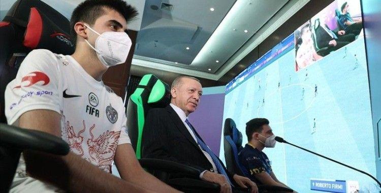 Cumhurbaşkanı Erdoğan: Gençlerimizin çok ilgi duyduğu e-Spor'u desteklemeyi sürdüreceğiz