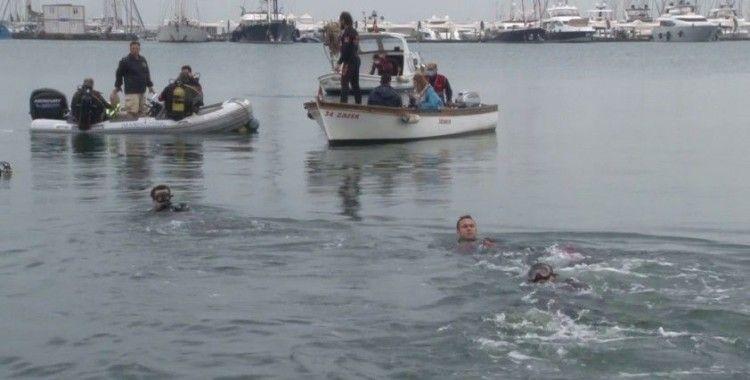 Pendik'te balık adamlardan müsilaj temizliği