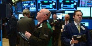 Küresel piyasalar artan belirsizliklerle karışık bir seyir izliyor