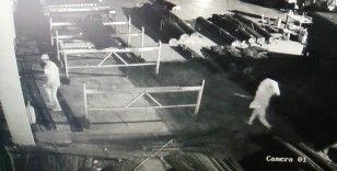 100 bin liralık malzemeleri çalıp kayıplara karıştılar: O anlar kamerada