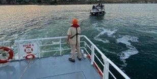 Ambarlı önlerinde sürüklenen tekne Kıyı Emniyeti tarafından kurtarıldı