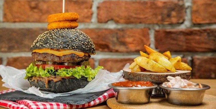 İstanbul Büyükşehir Belediyesi burgerci açtı