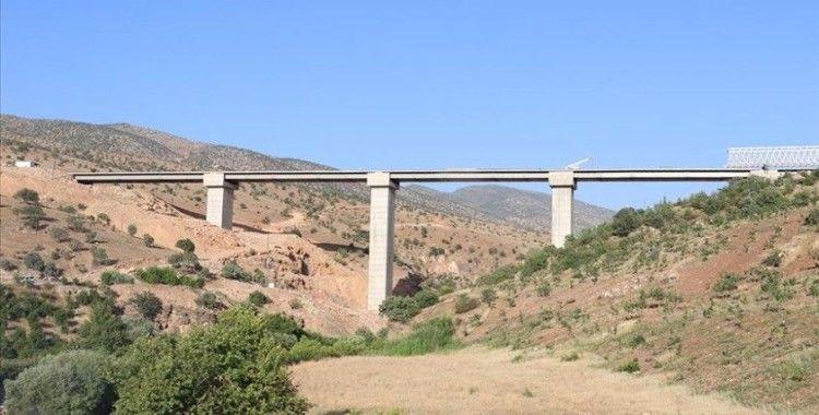 Siirt-Şırnak arası ulaşım Zarova Köprüsü ile daha konforlu hale gelecek