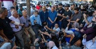 İsrail'in açık hava hapishanesine çevirdiği Şeyh Cerrah Mahallesinin sakinleri, kendi evlerinde 'mahsur'