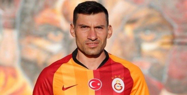 Şener Özbayraklı, Galatasaray'a veda etti