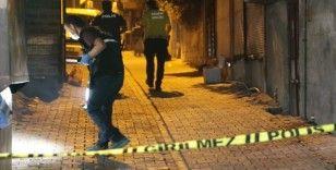 Şanlıurfa'da bir araçtan ateş açılması sonucu 2 polis hafif yaralandı