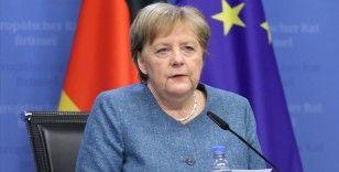 Almanya Başbakanı Merkel: Kovid-19 vaka sayısı açısından gelişmeler son derece sevindirici