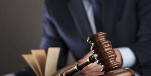 Başörtülü akademisyeni darp ettiği iddia edilen şüpheli tutuklama talebiyle mahkemeye sevk edildi