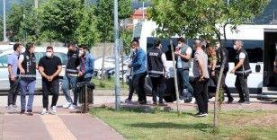 Kaçak sigaraları sahte bandrolle piyasaya süren 7 kişi adliyeye sevk edildi