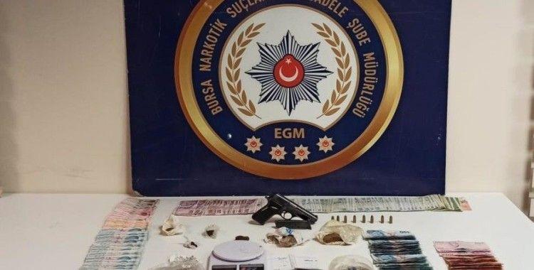 Bursa'da uyuşturucu operasyonundan tutuklanan 7 kişinin ardından 6 kişi daha gözaltına alındı