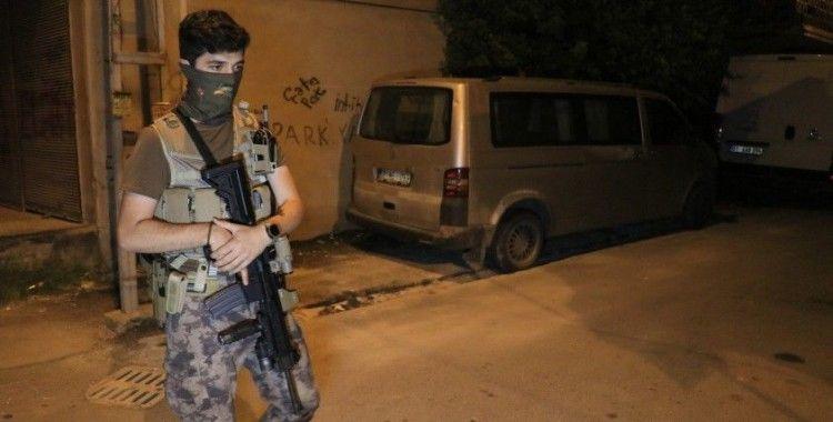 Bekçilere silahlı saldırı düzenleyen 3 kardeşten 2'si kovalamaca sonucu yakalandı