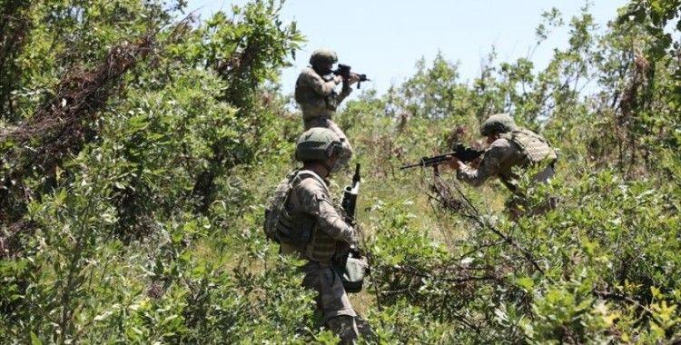 Pençe-Şimşek operasyonu bölgesindeki mağarada 3 PKK'lı terörist etkisiz hale getirildi