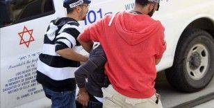İsrail güçleri, 3 Filistinli çocuğu gözaltına aldı