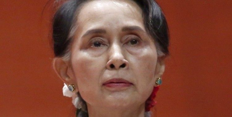 Myanmar'ın tutuklu lideri Suu Kyi hakim karşısına çıktı