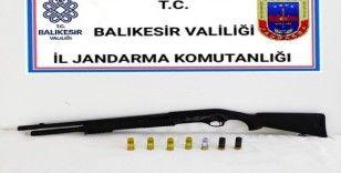 Balıkesir'de 22 aranan şahsa gözaltı