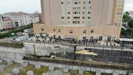 İstanbul'daki hastanede aşı yoğunluğu drone ile havadan görüntülendi