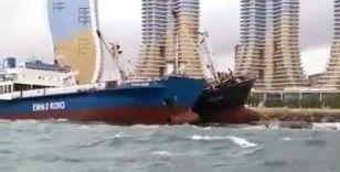 Kartal Sahili'nde halatı kopan gemi başka bir gemiye yaslandı