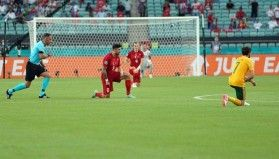 Türkiye-Galler maçında George Floyd anıldı
