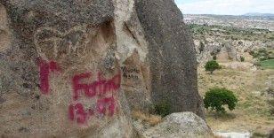 Kapadokya'da peribacalarına çirkin saldırı