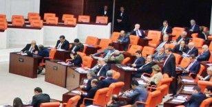 """AK Parti, """"4. Yargı Paketi""""ni TBMM Başkanlığına sundu"""