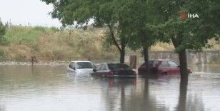 Sultangazi'de su tahliyesi devam ediyor