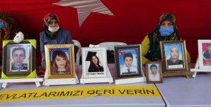 HDP önündeki evlat nöbeti kararlılıkla sürüyor