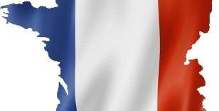 Fransa'da cumhurbaşkanlığı seçimlerinin Nisan 2022'de yapılması planlanıyor