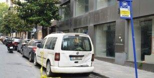 Nişantaşı'nda kamyonet ile otomobil çarpıştı: 3 yaralı
