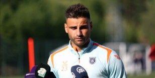 Başakşehir'in orta saha oyuncusu Deniz Türüç, yeni sezonda zirveye oynayacaklarına inanıyor